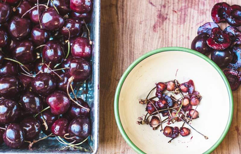 Snocciolatore per ciliegie